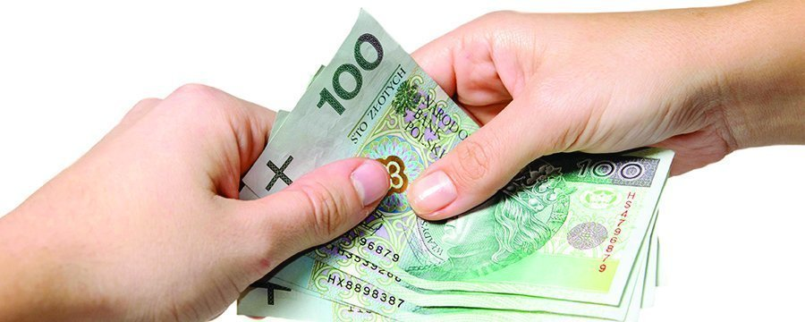 Средняя зарплата в Польше за год выросла на 7,4%